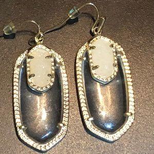 Kendra Scott Emmy Earrings